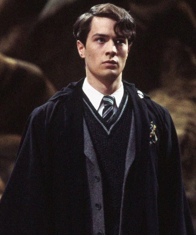 Dân mạng gọi tên hội phản diện siêu cấp đẹp trai: Loki chúa lươn cũng khó mà so với mỹ nam Voldemort sắp debut! - ảnh 13