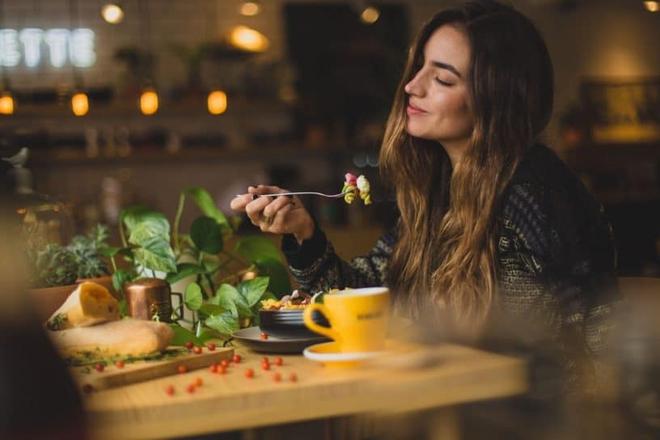 Chôm chỉa thực đơn ăn uống mỗi ngày của phụ nữ Pháp, bảo sao mà ai nấy đều thon thả, body như siêu mẫu - ảnh 1