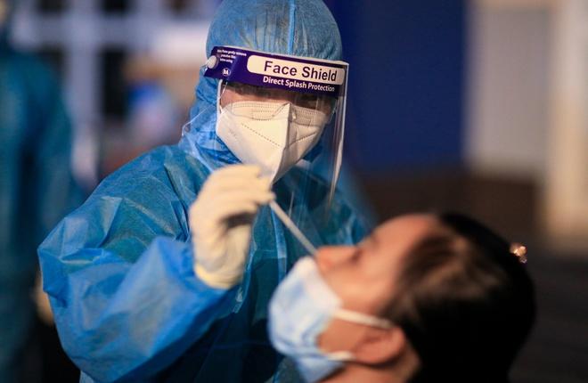 Diễn biến dịch ngày 18/6: Thêm 121 ca mắc mới; Điều dưỡng Bệnh viện Trưng Vương nghi mắc COVID-19 - Ảnh 1.