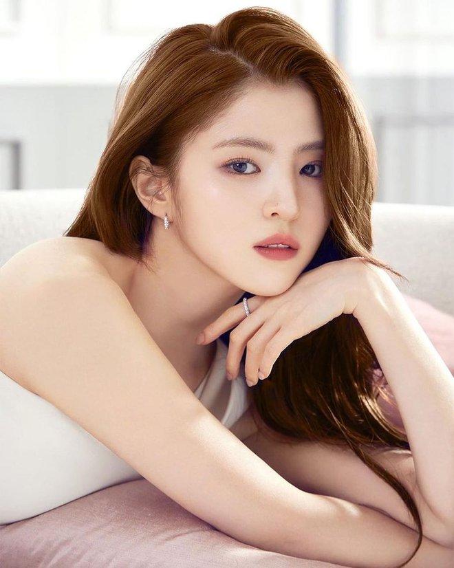 Tiểu Han So Heehóa ra có thật: Cả mặt lẫn makeup, tóc tai đều giống bản gốc, có nói là chị em ruột cũng hợp lý luôn - ảnh 5