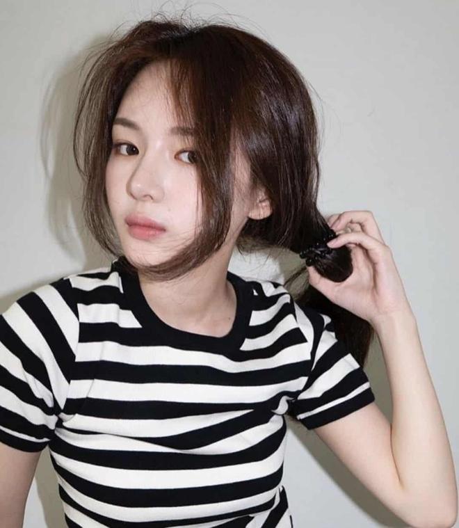 Tiểu Han So Heehóa ra có thật: Cả mặt lẫn makeup, tóc tai đều giống bản gốc, có nói là chị em ruột cũng hợp lý luôn - ảnh 8