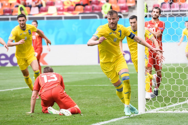 Tận dụng cơn sốt liên quan tới Ronaldo, sao Ukraine tranh thủ gạ hai ông lớn của làng đồ uống ký hợp đồng quảng cáo - ảnh 2
