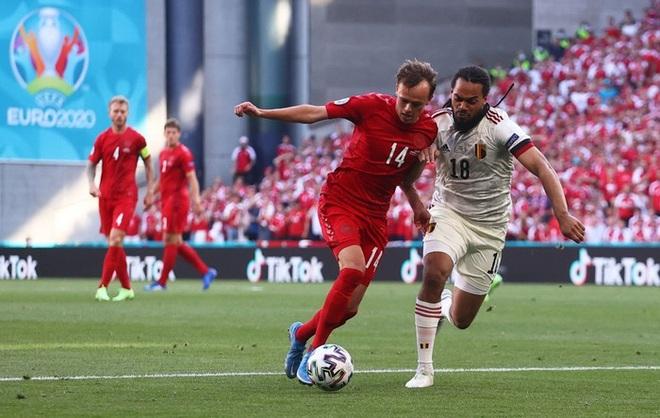 Giữ đúng lời hứa, tuyển Bỉ và Đan Mạch dừng bóng phút thứ 10 để tất cả cùng nhau vỗ tay tri ân Eriksen - ảnh 9