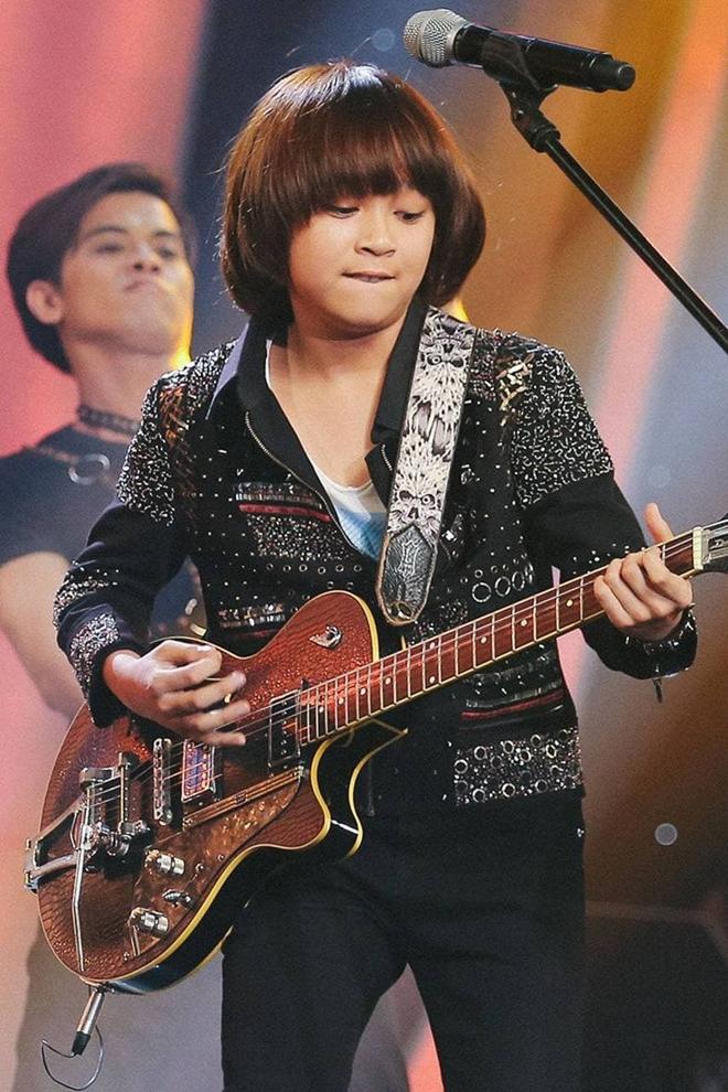 Thiên Khôi - Quán quân Vietnam Idol Kids với mái tóc Maika đáng yêu năm nào giờ đã lột xác, cao lớn phổng phao - ảnh 5