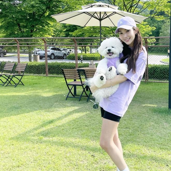 Chỉ với 1 bức ảnh Park Min Young đã lộ đến 4 hint hẹn hò Park Seo Joon, đáng ngờ nhất là nhẫn đôi báo hiệu tin vui? - ảnh 7