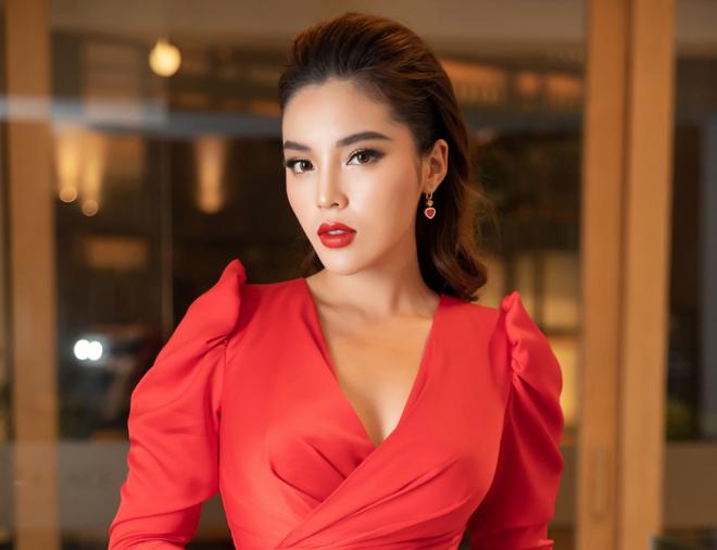 Điểm thi đại học của dàn sao Việt: Sơn Tùng M-TP thủ khoa, Tóc Tiên thủ khoa, riêng 1 Hoa hậu trung bình môn dưới 5 điểm gây sốc - Ảnh 4.