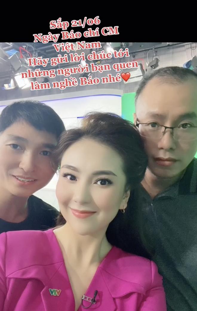 MC đẹp nhất VTV khoe hậu trường sống ảo ở studio của nhà đài, 1 chiếc phụ kiện rẻ tiền bất ngờ gây chú ý! - ảnh 3