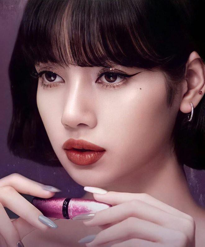 Lisa dạo này đổi chiến thuật makeup xịn đét, ngôi vị nữ hoàng Kpop nằm trong tầm tay rồi - ảnh 2