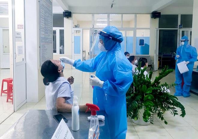 Nghệ An và Hà Tĩnh ghi nhận thêm 2 trường hợp dương tính SARS-CoV-2 - ảnh 1