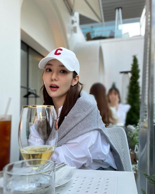 Han So Hee trẻ hơn 8 tuổi Park Min Young nhưng về gu thời trang thì có chắc là hơn không? - ảnh 25