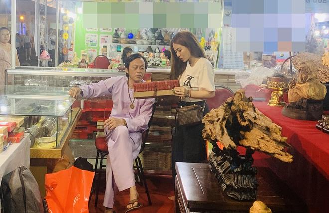 Giữa ồn ào Nhà thờ Tổ, NS Hoài Linh bị netizen soi lại BST trầm hương trị giá trăm tỷ toàn từ gỗ hiếm trong phòng riêng - ảnh 4