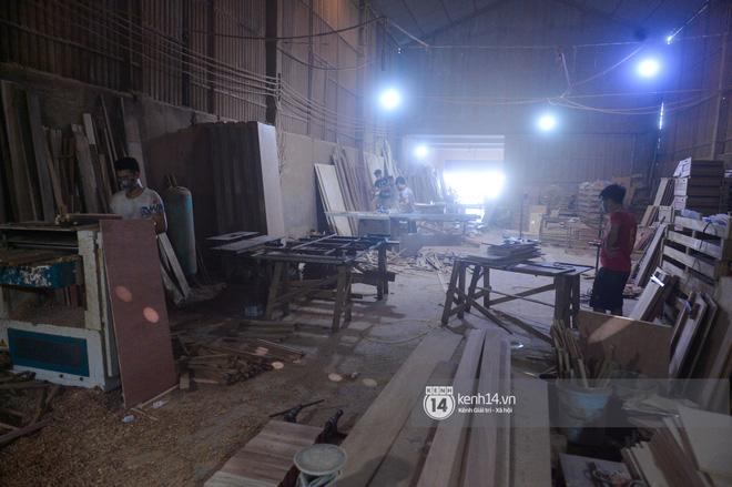 Vụ Hoài Linh bị tố nợ tiền gỗ xây dựng nhà thờ tổ: Người làng nghề mộc Liên Hà lên tiếng, chính quyền xã khẳng định cứng - ảnh 8