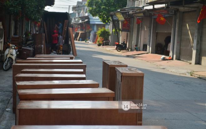Vụ Hoài Linh bị tố nợ tiền gỗ xây dựng nhà thờ tổ: Người làng nghề mộc Liên Hà lên tiếng, chính quyền xã khẳng định cứng - ảnh 14