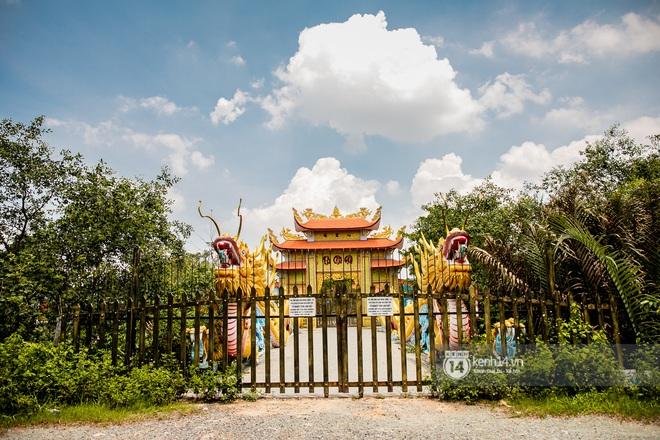 Toàn cảnh Nhà thờ Tổ 100 tỷ của NS Hoài Linh: Trải dài 7000m2, nội thất hoành tráng sơn son thiếp vàng, nuôi động vật quý hiếm - ảnh 6