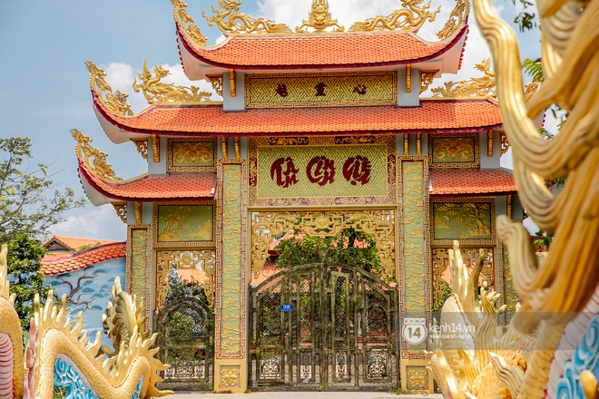 Toàn cảnh Nhà thờ Tổ 100 tỷ của NS Hoài Linh: Trải dài 7000m2, nội thất hoành tráng sơn son thiếp vàng, nuôi động vật quý hiếm - ảnh 8
