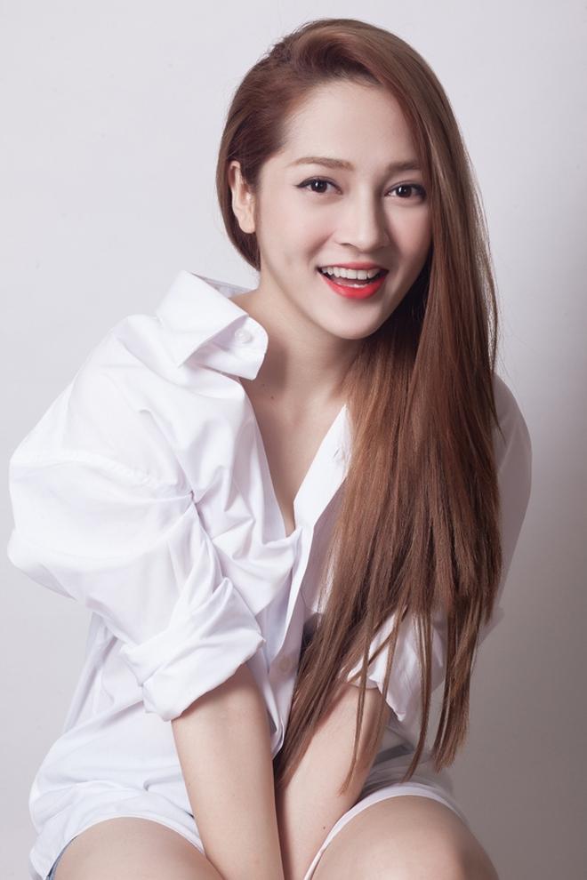 Bảo Anh bất ngờ xuất hiện với hình ảnh khác lạ, netizen ồn ào tranh cãi: Chị vừa làm mũi hay giảm cân quá đà? - ảnh 3