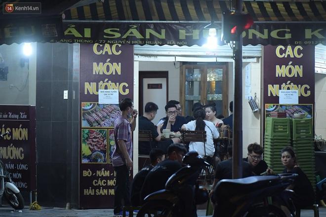 Hà Nội: Nhiều quán nhốt khách, cố bán tiếp sau quy định đóng cửa trước 21h - ảnh 1