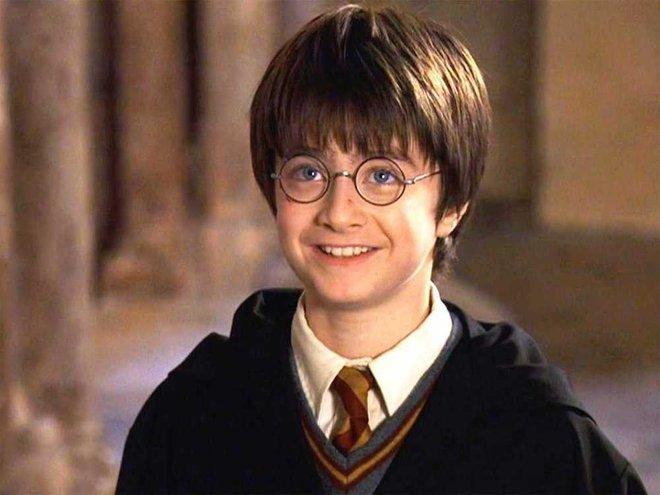 Harry Potter Daniel Radcliffe thành người thừa kế tài sản 2,5 nghìn tỷ, vừa bán nhà 46 tỷ cho bố mẹ vì có âm mưu? - ảnh 2
