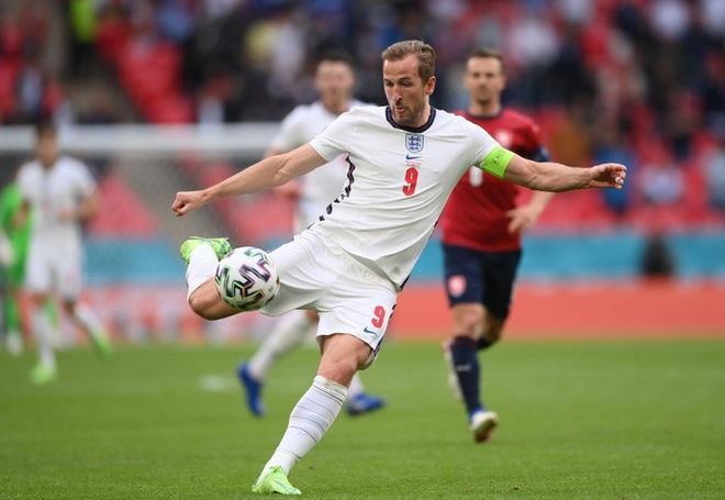 Sterling tiếp tục trở thành người hùng giúp tuyển Anh đánh bại CH Séc tại Euro 2020 - ảnh 1