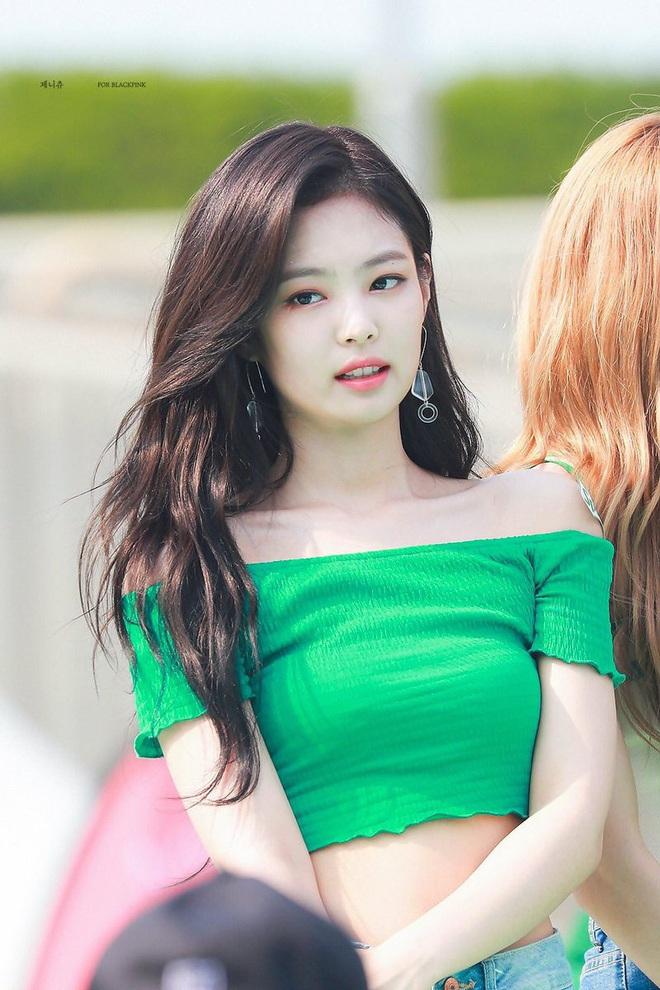 Idol Kpop nhảy tưng tưng mà vòng 1 không... xổ ra ngoài, muốn biết bí quyết là gì thì bạn click vào mà xem - ảnh 8