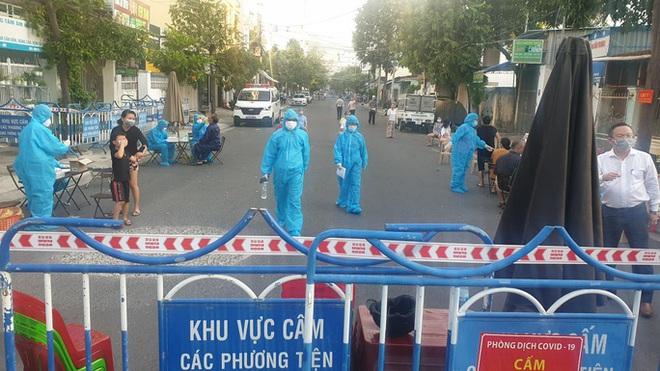 Bệnh viện tỉnh Phú Yên dừng tiếp bệnh nhân sau khi ca nghi mắc Covid-19 đến khám - ảnh 2