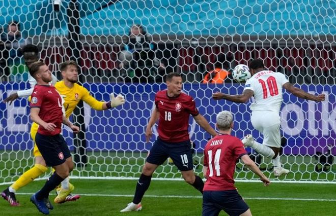 Sterling tiếp tục trở thành người hùng giúp tuyển Anh đánh bại CH Séc tại Euro 2020 - ảnh 4