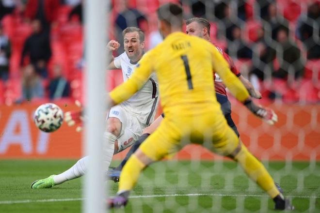 Sterling tiếp tục trở thành người hùng giúp tuyển Anh đánh bại CH Séc tại Euro 2020 - ảnh 6