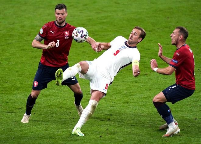 Sterling tiếp tục trở thành người hùng giúp tuyển Anh đánh bại CH Séc tại Euro 2020 - ảnh 9