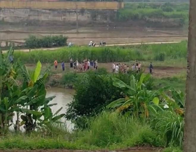 Hòa Bình: 2 bé khoảng 8 tuổi tắm sông đuối nước, 1 cháu tử vong - ảnh 1