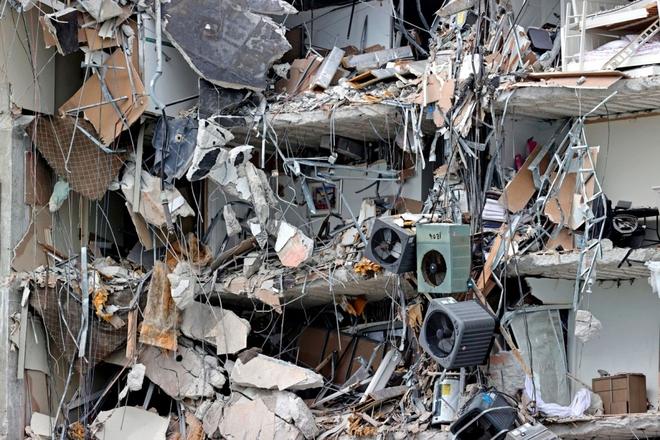 Hiện trường đổ nát vụ sập chung cư kinh hoàng ở Miami (Mỹ) - ảnh 4