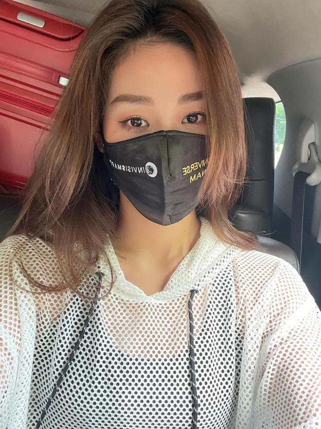 Hoa hậu Khánh Vân cuối cùng đã hoàn thành 21 ngày cách ly hậu Miss Universe 2020, tung bộ ảnh kỷ niệm mà visual ấn tượng quá - Ảnh 3.