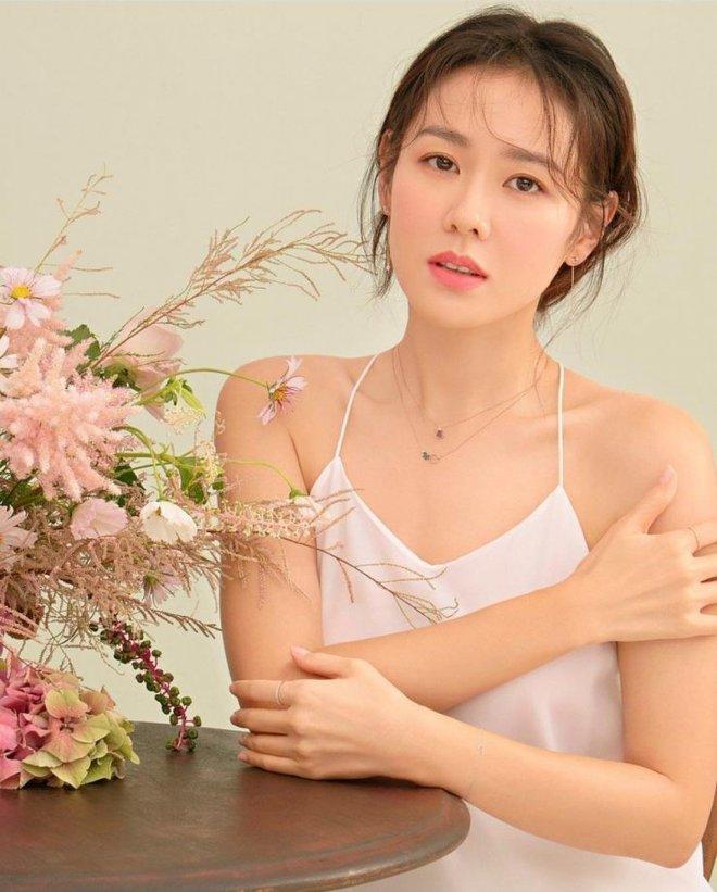 Tranh cãi BXH nữ diễn viên đẹp nhất xứ Hàn: Hai sao nhí một thời đè bẹp đàn chị, loạt mỹ nhân đình đám mất hút - Ảnh 17.