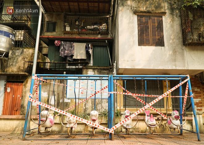 Hà Nội: Phong toả hàng loạt máy tập thể dục ngoài trời, khu vui chơi trẻ em để phòng dịch Covid-19 - ảnh 3