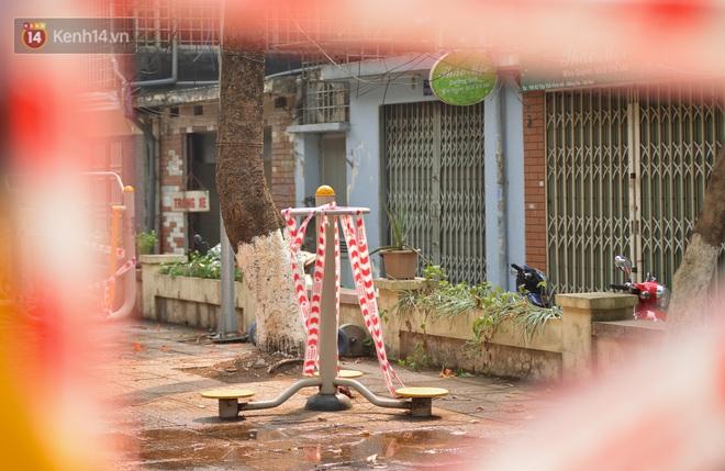 Hà Nội: Phong toả hàng loạt máy tập thể dục ngoài trời, khu vui chơi trẻ em để phòng dịch Covid-19 - ảnh 10
