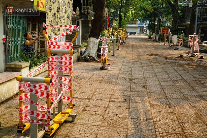 Hà Nội: Phong toả hàng loạt máy tập thể dục ngoài trời, khu vui chơi trẻ em để phòng dịch Covid-19 - ảnh 7