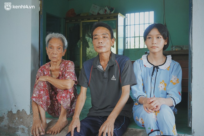 Mẹ bỏ đi, nữ sinh 14 tuổi khóc cạn nước mắt, cầu xin một cơ hội để cứu lấy người cha mắc bệnh hiểm nghèo - Ảnh 11.