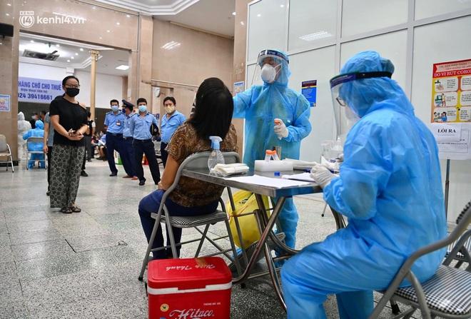 Toàn cảnh tình hình dịch bệnh Covid-19 tại Hà Nội sau một tuần giãn cách xã hội - ảnh 5