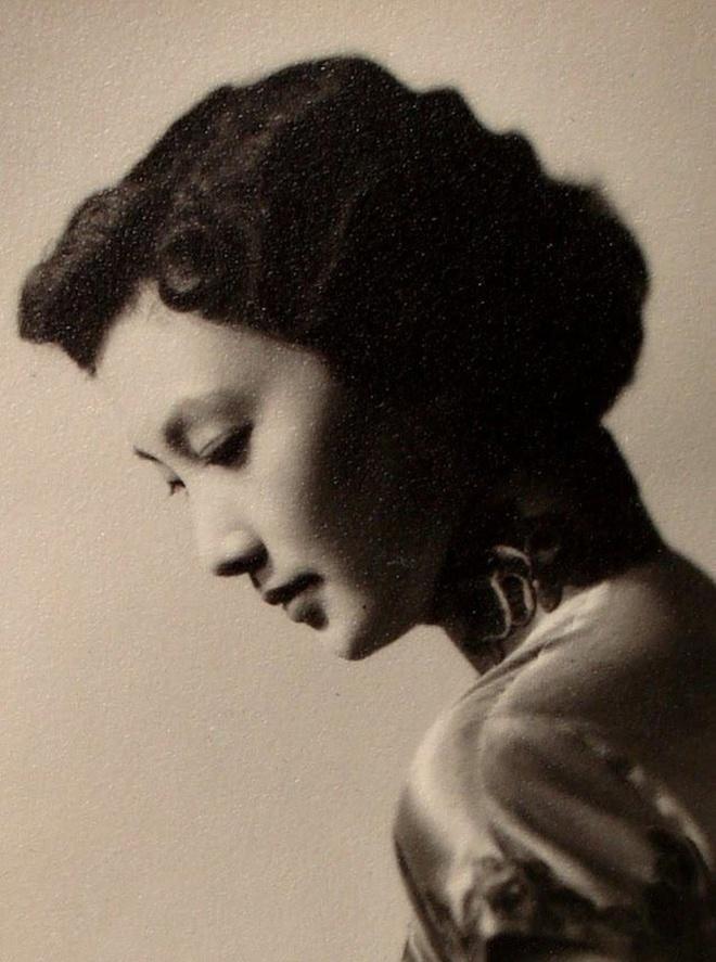 Nguyên mẫu Tiểu Long Nữ ngoài đời thật - nàng thơ của Kim Dung với nhan sắc rung động lòng người và mối tình đơn phương mãi tiếc nuối - ảnh 4