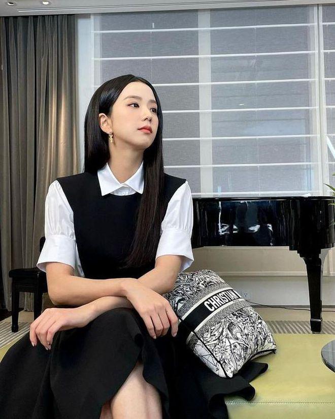 Jisoo (BLACKPINK) bị fan bóc phốt vì chơi story quá cồng kềnh - ảnh 1