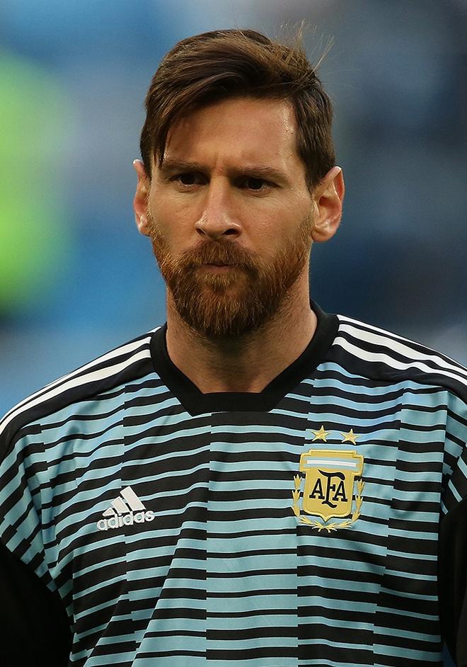 Top 5 cầu thủ hot nhất hành tinh, màn đọ sức gay cấn không khác gì trên sân cỏ, ngoài Ronaldo, Messi... còn ai nữa? - Ảnh 6.