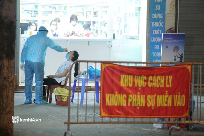 Toàn cảnh tình hình dịch bệnh Covid-19 tại Hà Nội sau một tuần giãn cách xã hội - ảnh 4