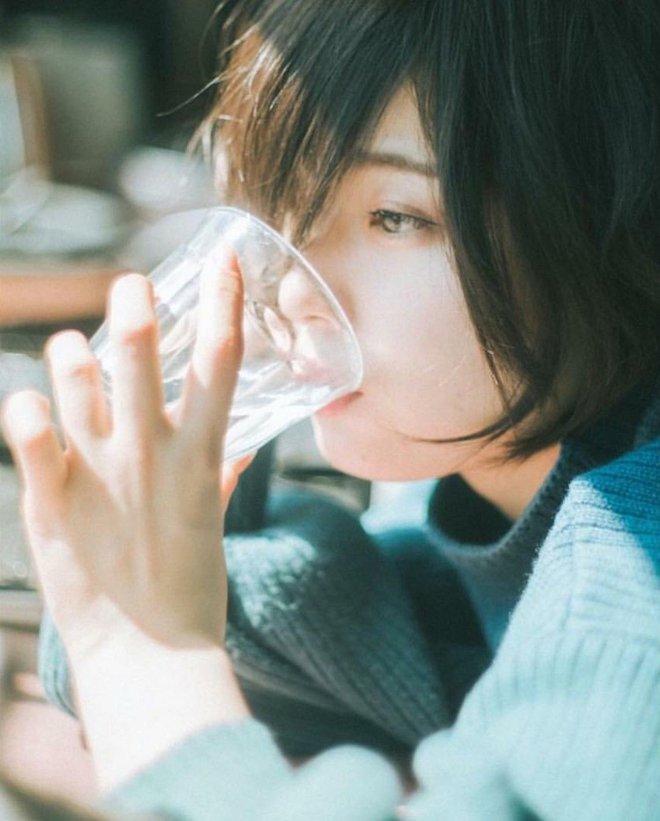 Đánh răng hay uống nước đầu tiên sau khi ngủ dậy vào buổi sáng? Hóa ra trước giờ chúng ta vẫn hiểu lầm đấy - ảnh 1