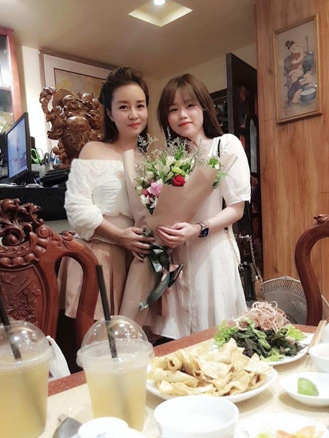 Mẹ nuôi Quang Hải công khai ủng hộ Huỳnh Anh làm BTV thể thao, nói gì mà nhắc đến cả quá khứ? - ảnh 8