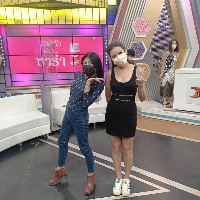 """Vừa gây choáng với diện mạo """"căng đét"""" mới nâng cấp, hot girl mặt nhàu Thái Lan lộ ảnh thật chưa qua chỉnh sửa khiến dân tình tranh cãi - ảnh 10"""