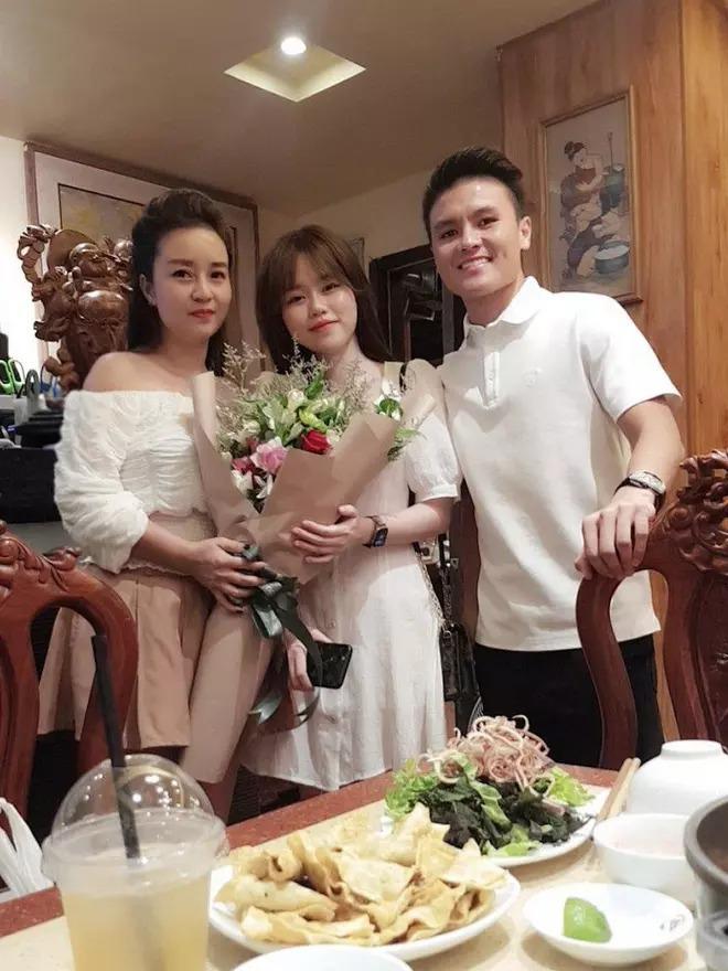 Mẹ nuôi Quang Hải công khai ủng hộ Huỳnh Anh làm BTV thể thao, nói gì mà nhắc đến cả quá khứ? - ảnh 6