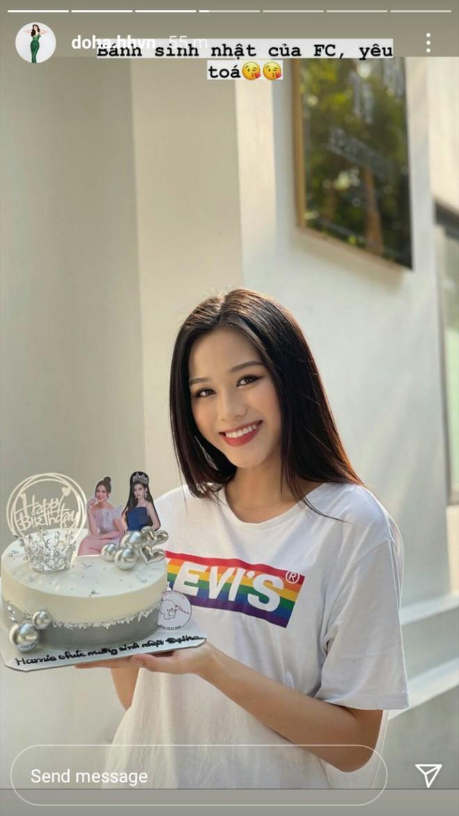 Sinh nhật đầu tiên của Đỗ Thị Hà sau khi đăng quang Hoa hậu: Visual đời thường xinh xỉu, nhan sắc ảnh bị dìm mới bất ngờ! - Ảnh 5.