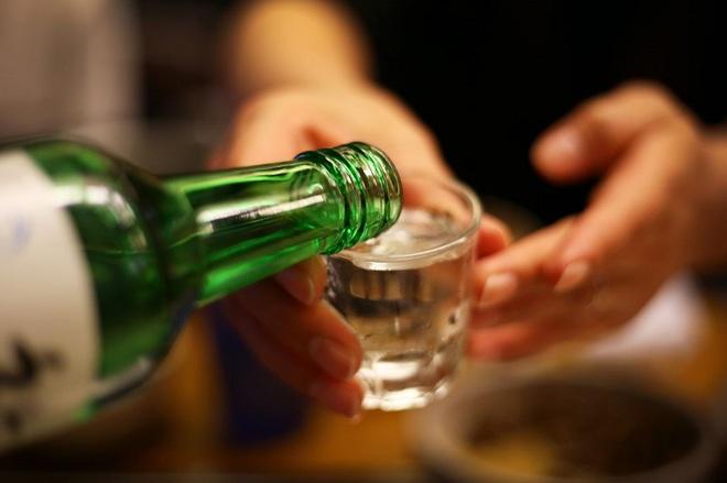 Tác hại của rượu bia đối với nam giới, không chỉ ảnh hưởng xấu đến ngoại hình mà còn tác động tới khả năng sinh sản - ảnh 3