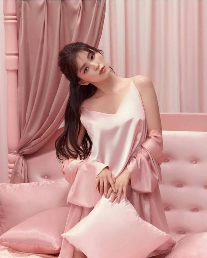 Sắc sảo lạnh lùng hay ngây thơ trong sáng mới hợp với Han So Hee, mời bạn phân định công tâm - ảnh 5