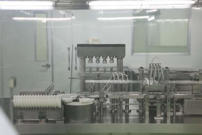Ảnh: Cận cảnh quy trình gia công, đóng ống vaccine Sputnik V tại Việt Nam - Ảnh 2.