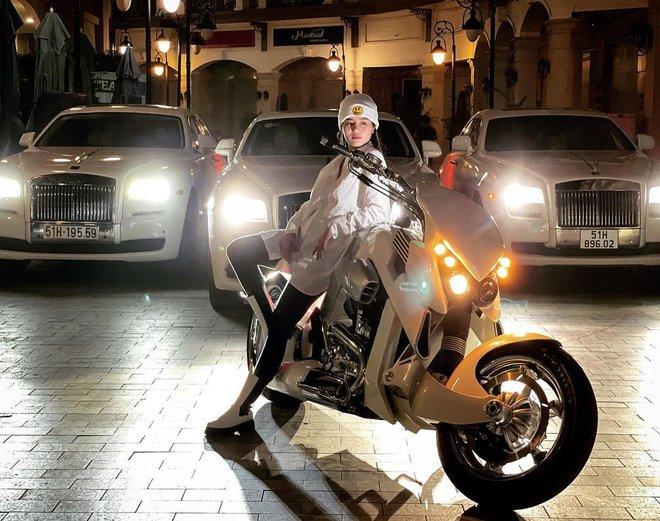 Hội bầu quý tộc vừa kết nạp thêm 1 thành viên mới, là gái đẹp sở hữu BST siêu xe trên cả khủng - ảnh 5
